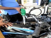 Petrol touches Rs.90.11 in Maharashtra's Parbhani