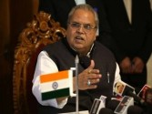 Politicians under compulsion to speak against anti-militancy: Governor