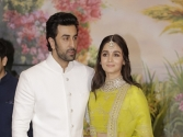 Ranbir Kapoor, Alia Bhatt enjoy movie date