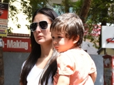Kareena Kapoor Khan makes pledge for Mother's Day
