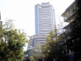 Sensex closes 35 points lower, Yes Bank tanks 30% (Lead)